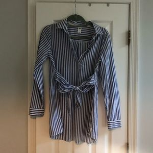 Old Navy Striped Maternity Blouse